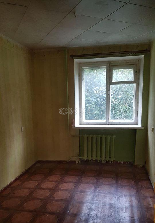 Продажа 2-комнатной квартиры, Череповец, улица Краснодонцев,  11